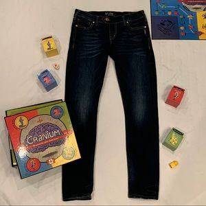 Silver Jeans Co. Tuesday lo skinny jeans